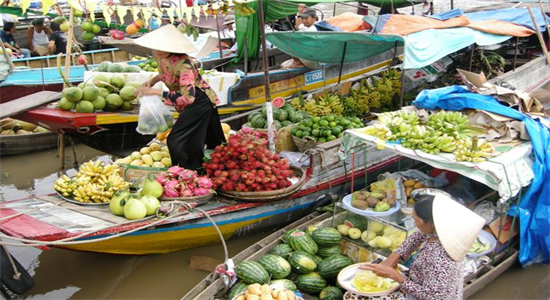 Cai Be floating market – Tan Phong Island